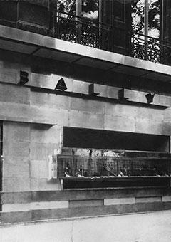 Mallet-Stevens designed the modern Parisian store